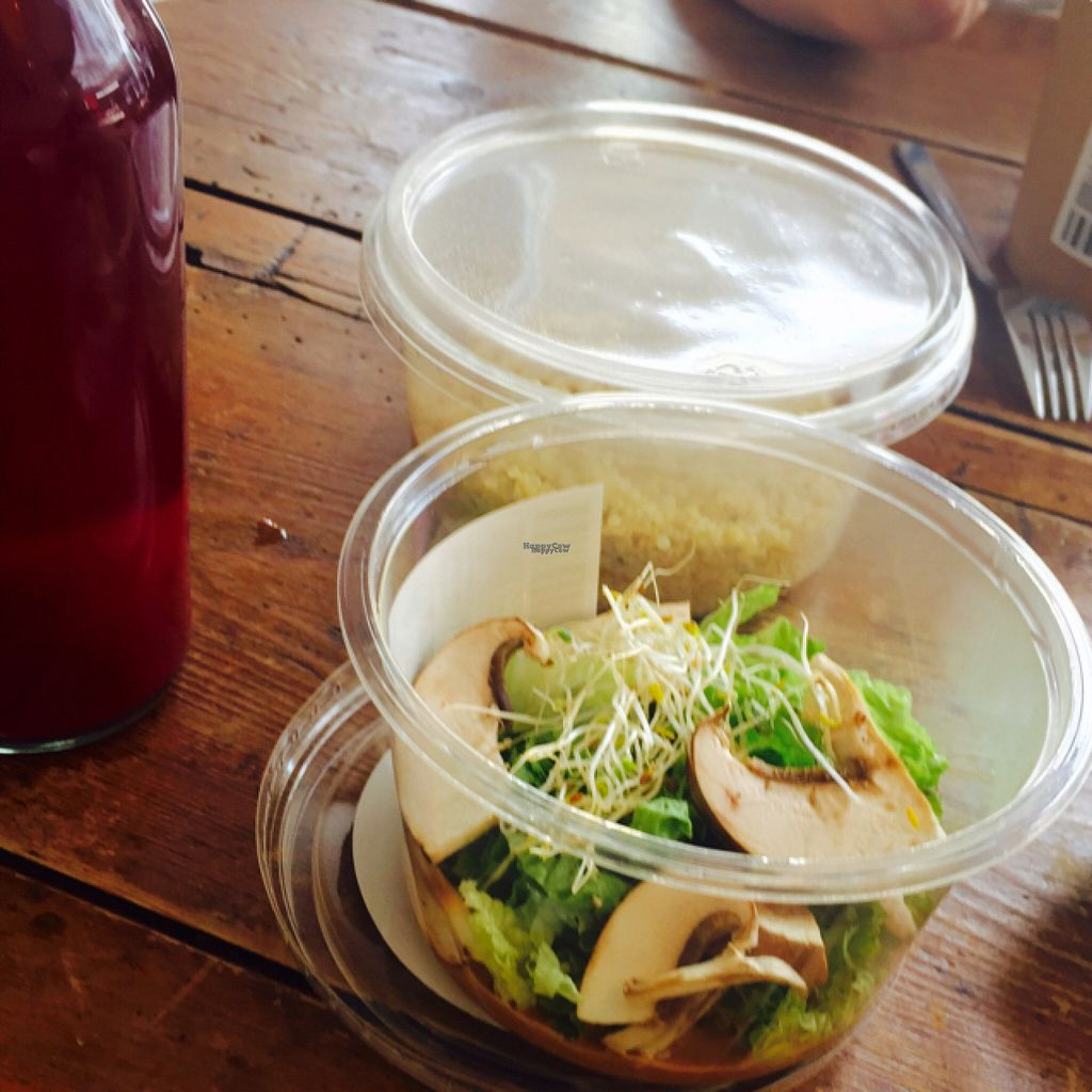 """Photo of Rawdish  by <a href=""""/members/profile/Tim%20van%20der%20Holst"""">Tim van der Holst</a> <br/>nice salads  <br/> August 5, 2016  - <a href='/contact/abuse/image/70715/165953'>Report</a>"""