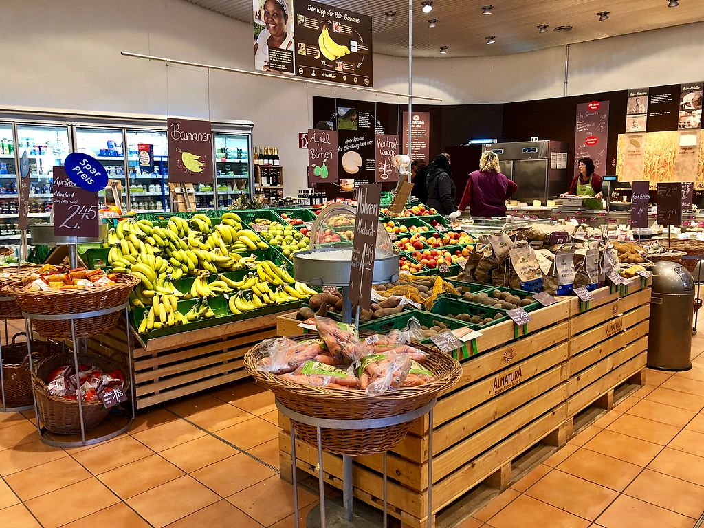 """Photo of Alnatura - Tegel  by <a href=""""/members/profile/marky_mark"""">marky_mark</a> <br/>veggies & bread <br/> March 2, 2018  - <a href='/contact/abuse/image/70756/365852'>Report</a>"""