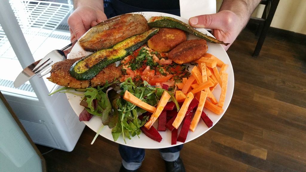 """Photo of Couscous  by <a href=""""/members/profile/Mallorcatalks"""">Mallorcatalks</a> <br/>tasty veggie plate! <br/> March 14, 2016  - <a href='/contact/abuse/image/70787/139925'>Report</a>"""