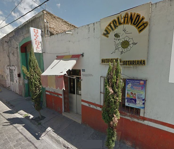 """Photo of Nutrilandia  by <a href=""""/members/profile/Atl"""">Atl</a> <br/>Fachada <br/> September 30, 2016  - <a href='/contact/abuse/image/70811/178886'>Report</a>"""