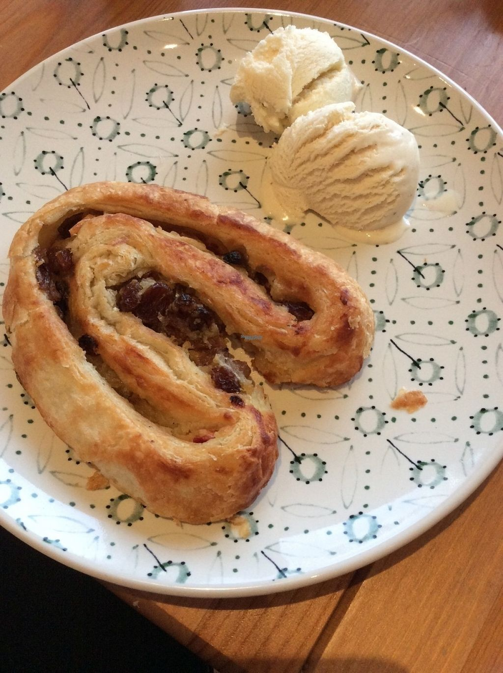 """Photo of Het Zaanse Bakkertje  by <a href=""""/members/profile/happyowl"""">happyowl</a> <br/>Apple-raisin puff pastry, eaten at home with some ice cream <br/> August 15, 2016  - <a href='/contact/abuse/image/70817/168978'>Report</a>"""