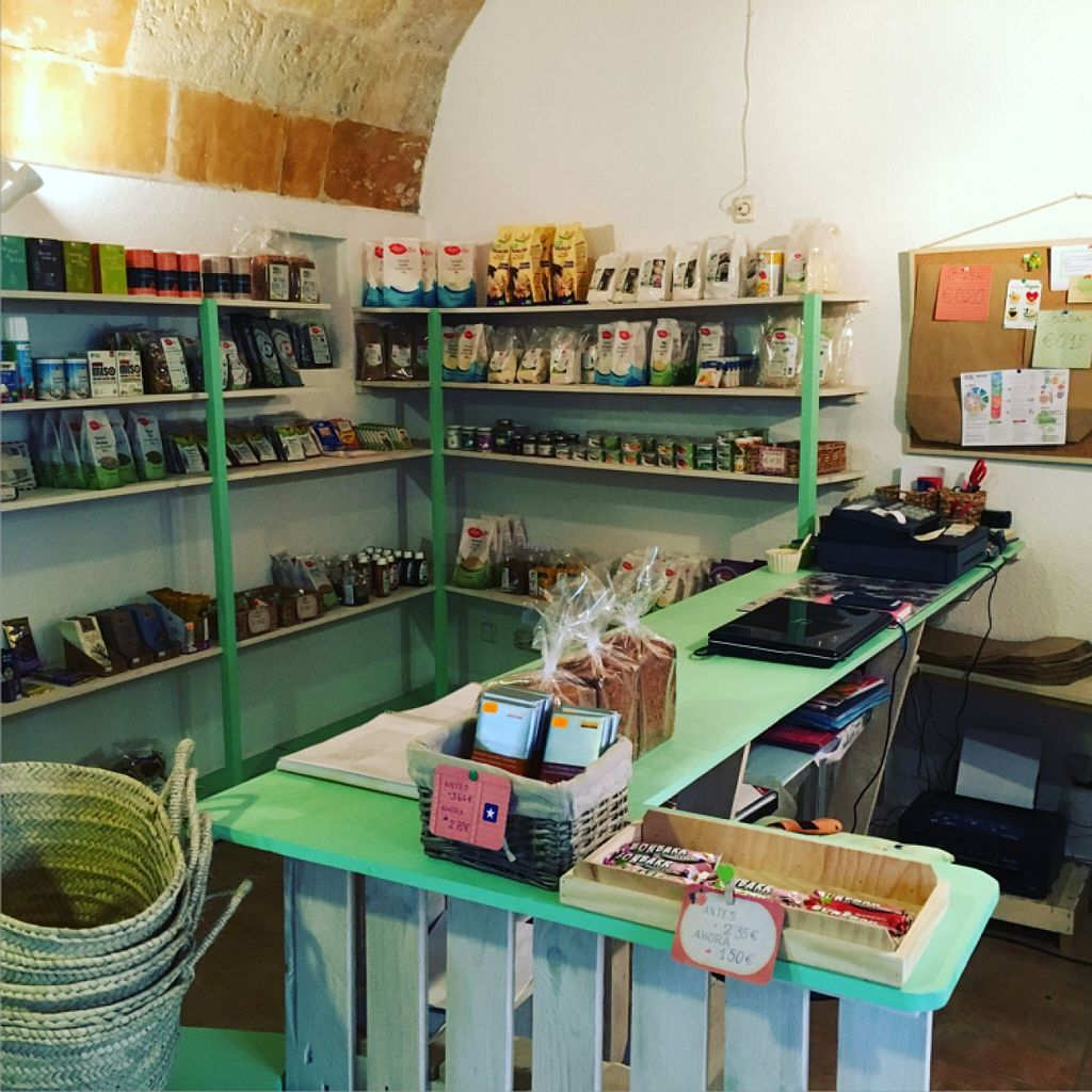 "Photo of CLOSED: Veganana  by <a href=""/members/profile/PatrickBolk"">PatrickBolk</a> <br/>beautiful shop <br/> April 11, 2016  - <a href='/contact/abuse/image/70818/143864'>Report</a>"