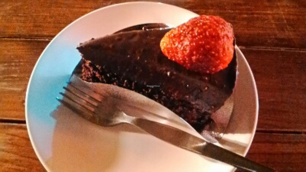 "Photo of Pink House Garden  by <a href=""/members/profile/LilacHippy"">LilacHippy</a> <br/>Vegan chocolate cake <br/> March 19, 2016  - <a href='/contact/abuse/image/70822/140637'>Report</a>"