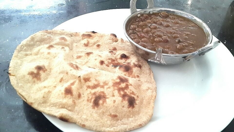 "Photo of Bikanervala  by <a href=""/members/profile/lotus.light"">lotus.light</a> <br/>Totally average chana masala and tandoori roti. Won't be returning there <br/> June 25, 2017  - <a href='/contact/abuse/image/70871/273181'>Report</a>"