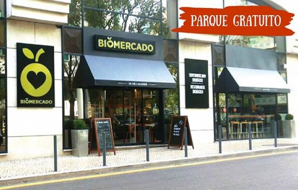 """Photo of Biomercado  by <a href=""""/members/profile/community"""">community</a> <br/>Biomercado <br/> March 14, 2016  - <a href='/contact/abuse/image/70877/241291'>Report</a>"""
