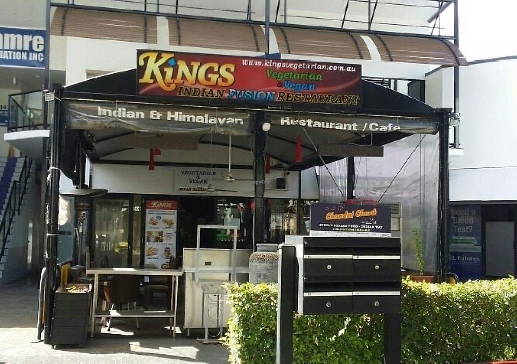 """Photo of Kings  by <a href=""""/members/profile/Mike%20Munsie"""">Mike Munsie</a> <br/>shop front <br/> May 5, 2017  - <a href='/contact/abuse/image/70949/255689'>Report</a>"""