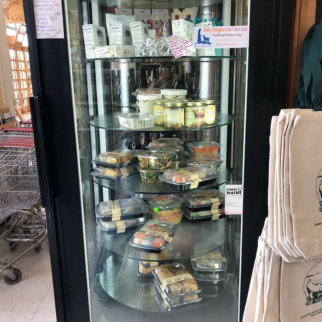 """Photo of John Edwards Whole Foods & Wine Cellar Art Gallery  by <a href=""""/members/profile/Sarah%20P"""">Sarah P</a> <br/>Vegan grab and go  <br/> April 18, 2018  - <a href='/contact/abuse/image/70961/387832'>Report</a>"""
