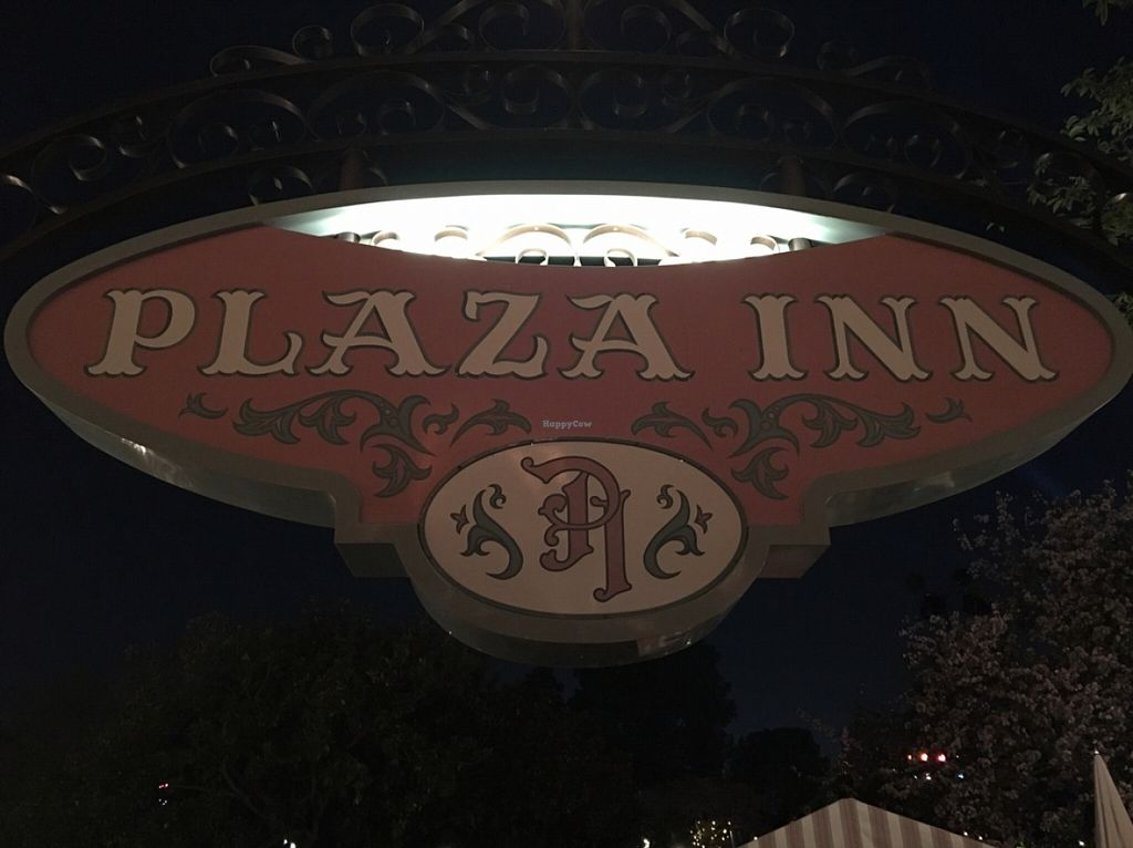"Photo of Disneyland - Plaza Inn  by <a href=""/members/profile/xmrfigx"">xmrfigx</a> <br/>Plaza Inn <br/> March 25, 2016  - <a href='/contact/abuse/image/70980/141320'>Report</a>"