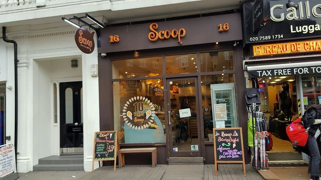 "Photo of Scoop - South Kensington  by <a href=""/members/profile/jollypig"">jollypig</a> <br/>Outside <br/> March 24, 2018  - <a href='/contact/abuse/image/71087/375504'>Report</a>"