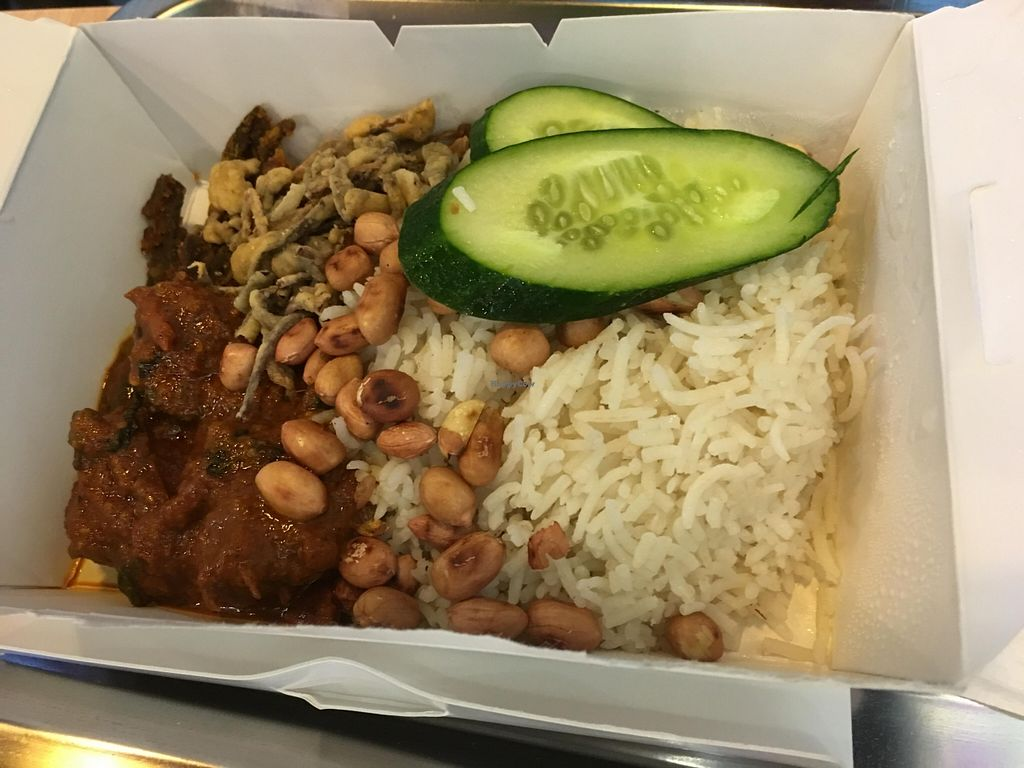 "Photo of CLOSED: Blue Bistro SG Cafe  by <a href=""/members/profile/Lovinglife1"">Lovinglife1</a> <br/>Very delicious nasi lemak. Very fragrant coconut basmati rice :) <br/> April 14, 2016  - <a href='/contact/abuse/image/71136/144616'>Report</a>"