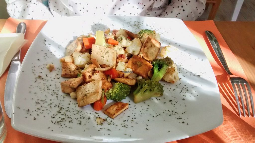 """Photo of Bio e Te  by <a href=""""/members/profile/JonJon"""">JonJon</a> <br/>Fried tofu salad with vegetables <br/> November 3, 2016  - <a href='/contact/abuse/image/71183/186367'>Report</a>"""