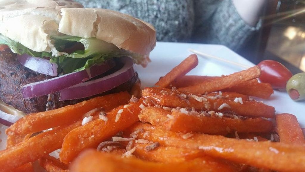 "Photo of Venti's Cafe and Taphouse  by <a href=""/members/profile/Arthousebill"">Arthousebill</a> <br/>One of two vegan burgers on the menu, with sweet potato fries <br/> April 2, 2016  - <a href='/contact/abuse/image/71197/142446'>Report</a>"