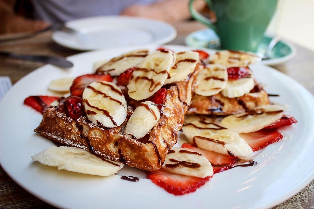 """Photo of LN Fortunate Coffee  by <a href=""""/members/profile/SueClesh"""">SueClesh</a> <br/>waffles with strawberries <br/> October 30, 2017  - <a href='/contact/abuse/image/71242/320011'>Report</a>"""