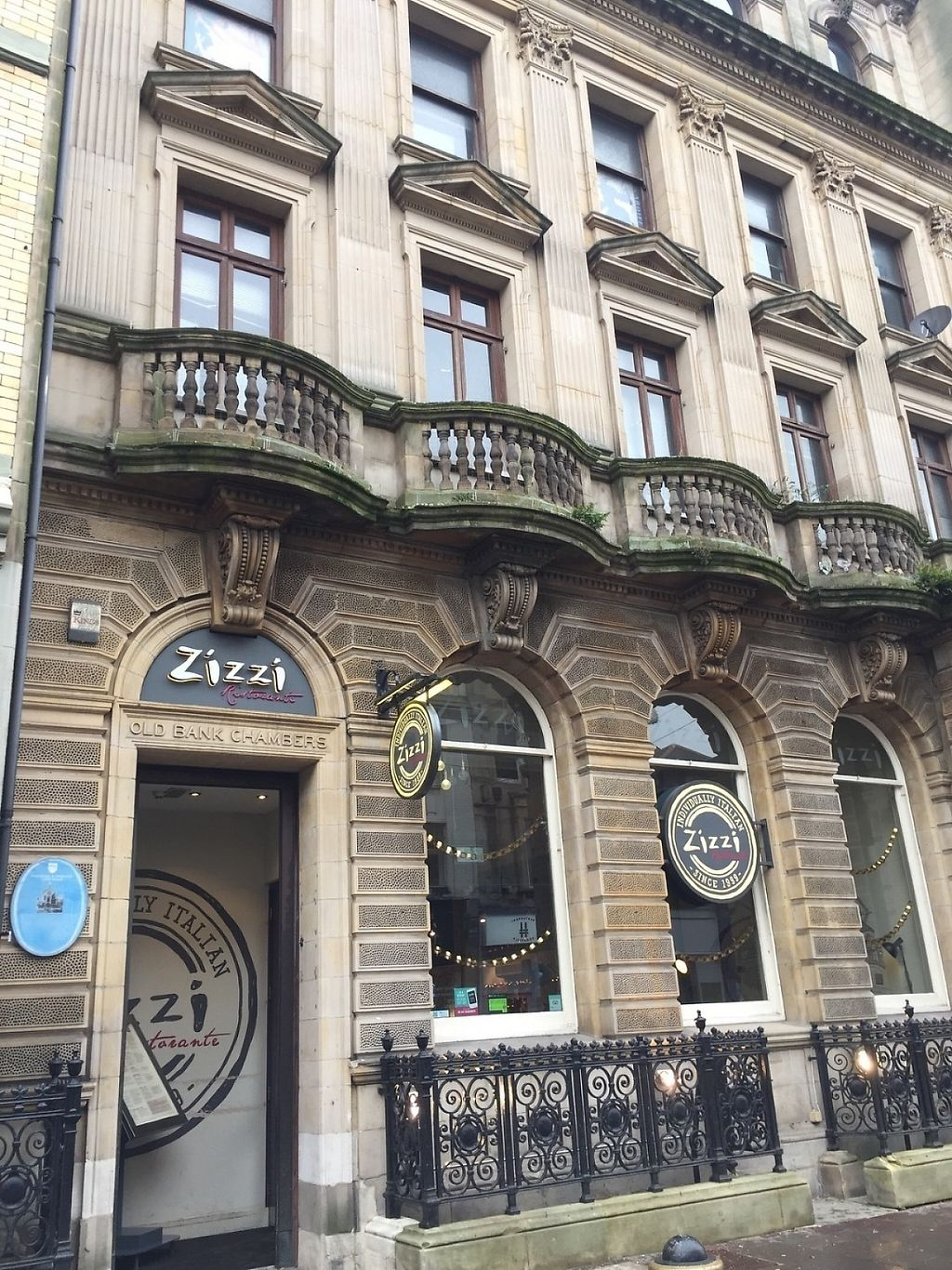 "Photo of Zizzi - High St  by <a href=""/members/profile/Eseno"">Eseno</a> <br/>Entrance to Zizzi in Cardiff <br/> December 30, 2016  - <a href='/contact/abuse/image/71288/206205'>Report</a>"