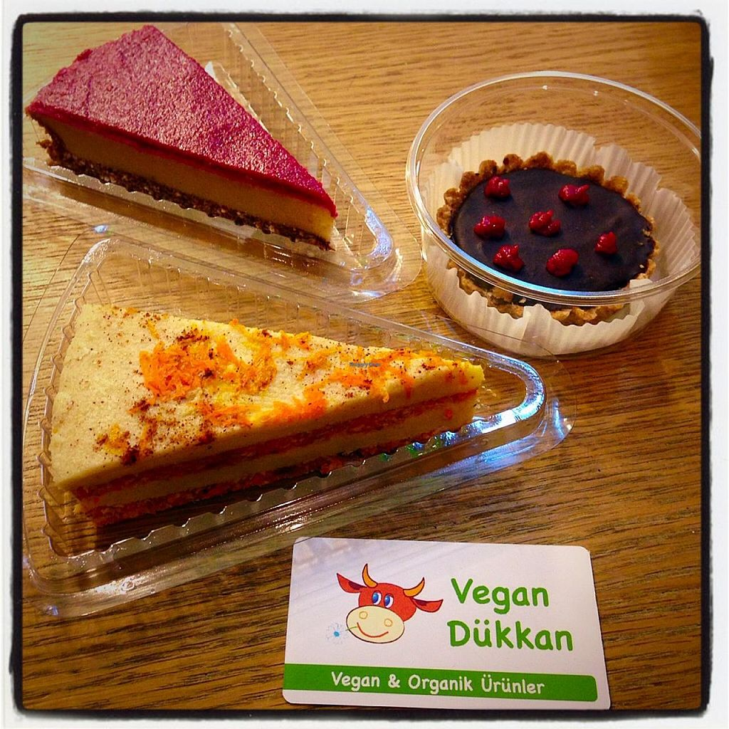 "Photo of Vegan Dukkan - Ecolife  by <a href=""/members/profile/vegantr"">vegantr</a> <br/>Raw vegan cakes  2 Go! <br/> April 6, 2015  - <a href='/contact/abuse/image/7143/98001'>Report</a>"