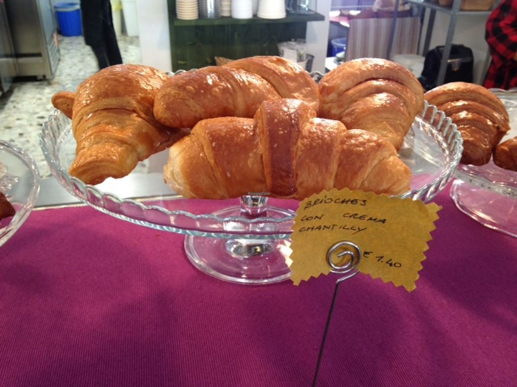 """Photo of Dulcamara Bio Vegan Bistrot  by <a href=""""/members/profile/JillyD~"""">JillyD~</a> <br/>They have many vegan brioches! A cream filled one, nutella-type, berry, plain (regular and whole grain). Very nice, all organic and delicious.  <br/> May 22, 2016  - <a href='/contact/abuse/image/71447/150182'>Report</a>"""