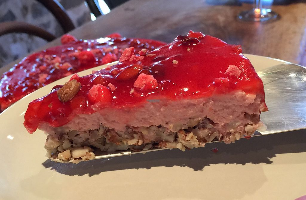 "Photo of Cafe Cacahuete  by <a href=""/members/profile/Mikyvegan"">Mikyvegan</a> <br/>cheesecake praline <br/> August 29, 2016  - <a href='/contact/abuse/image/71489/172193'>Report</a>"