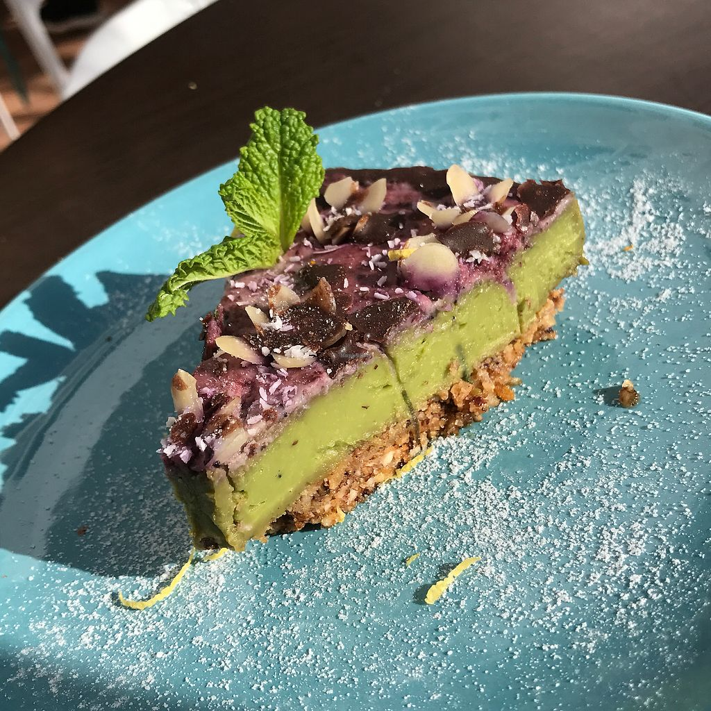 """Photo of Eco Eco  by <a href=""""/members/profile/davidmannesse"""">davidmannesse</a> <br/>The dessert with basic avocado <br/> February 17, 2018  - <a href='/contact/abuse/image/71532/360538'>Report</a>"""
