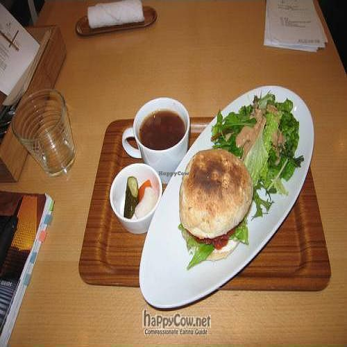 """Photo of CLOSED: J's Kitchen - Minato-Ku  by <a href=""""/members/profile/VeganTex"""">VeganTex</a> <br/> October 10, 2009  - <a href='/contact/abuse/image/7153/2767'>Report</a>"""