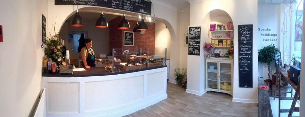 """Photo of Cupcake & Co  by <a href=""""/members/profile/community"""">community</a> <br/>Cupcake & Co <br/> March 29, 2016  - <a href='/contact/abuse/image/71543/141786'>Report</a>"""