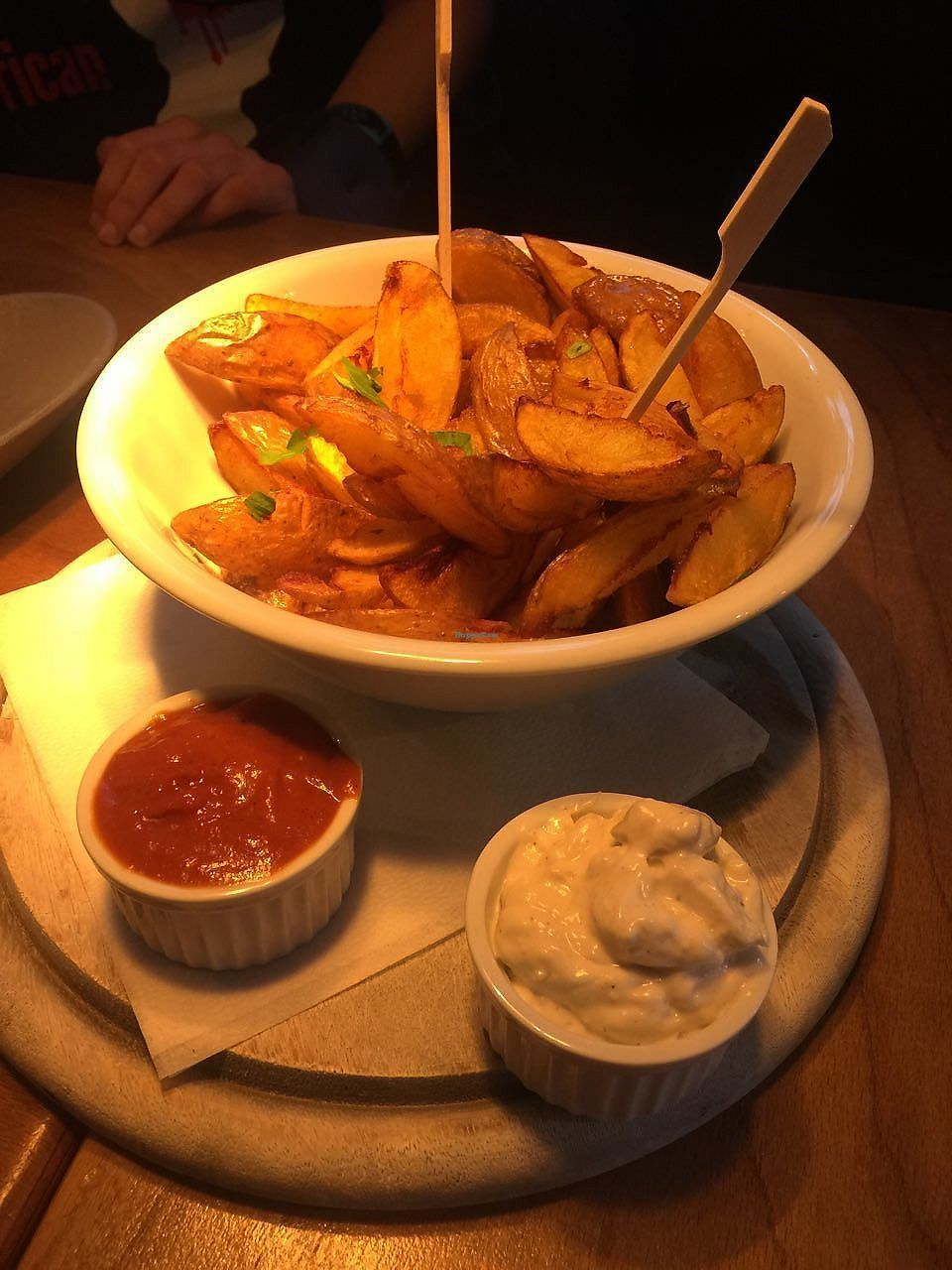 "Photo of Steffenhagen  by <a href=""/members/profile/FlokiTheCat"">FlokiTheCat</a> <br/>Potato wedges with ketchup and aioli <br/> April 18, 2018  - <a href='/contact/abuse/image/71550/387552'>Report</a>"