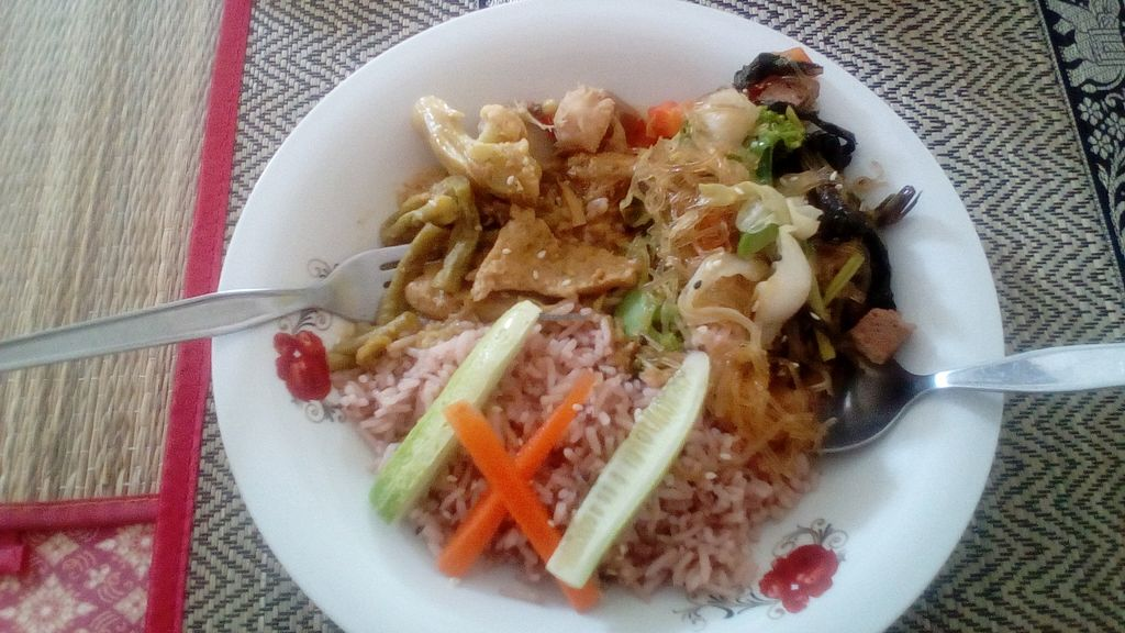 """Photo of CLOSED: Lamai Salad  by <a href=""""/members/profile/manau"""">manau</a> <br/>This for only 50 THB! <br/> April 8, 2016  - <a href='/contact/abuse/image/71578/143342'>Report</a>"""