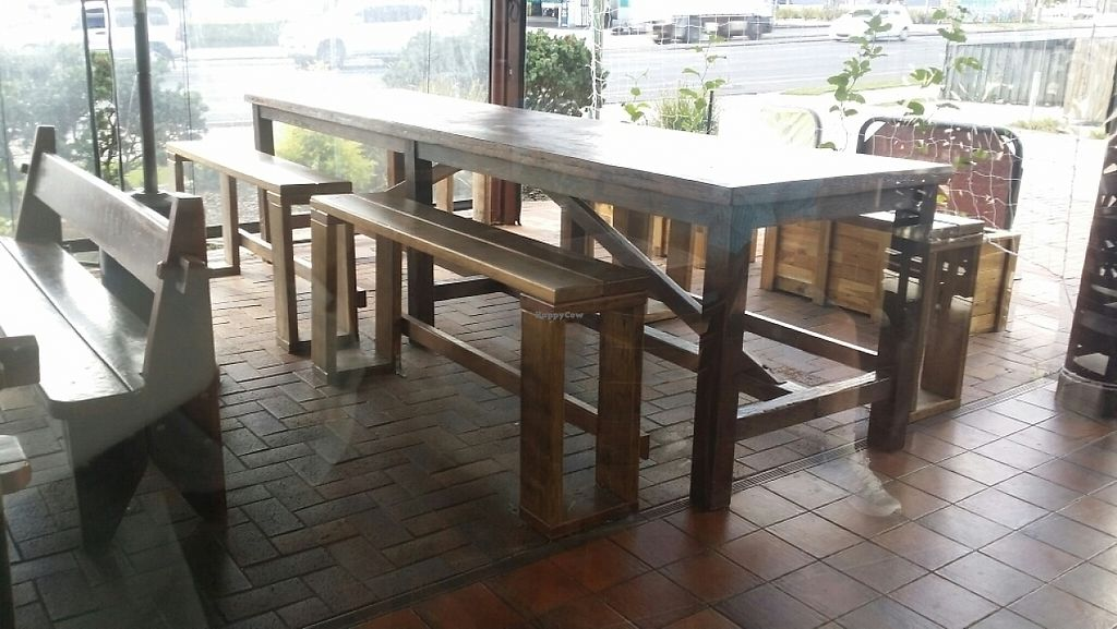 """Photo of Pitstop Pizza  by <a href=""""/members/profile/Mike%20Munsie"""">Mike Munsie</a> <br/>outside seating <br/> May 26, 2017  - <a href='/contact/abuse/image/71629/262526'>Report</a>"""