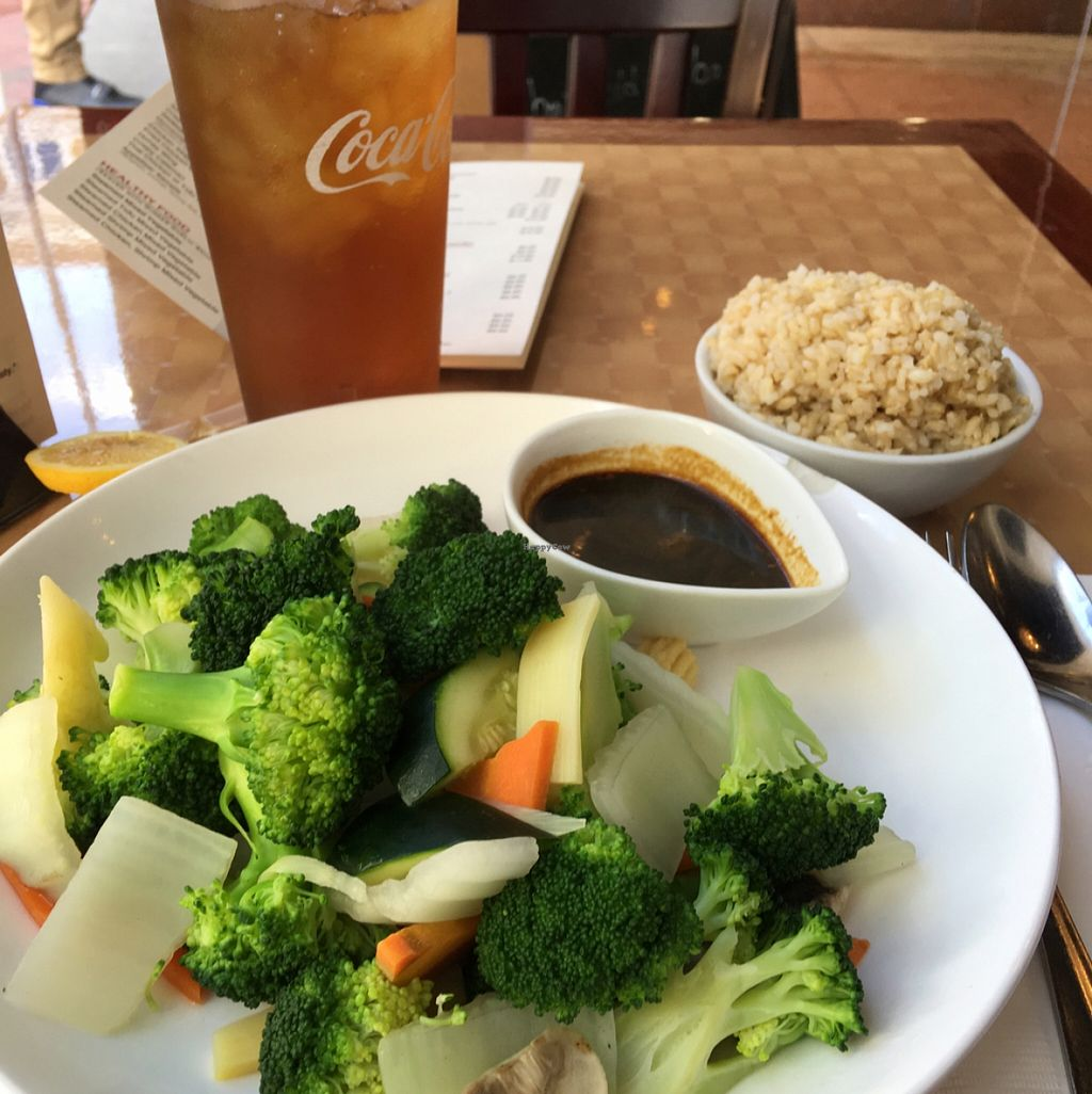 "Photo of Ya Ya Asian Gourmet House  by <a href=""/members/profile/LauraFlowers"">LauraFlowers</a> <br/>Healthy Veggie with brown rice and garlic ginger sauce.  <br/> April 1, 2016  - <a href='/contact/abuse/image/71694/142280'>Report</a>"