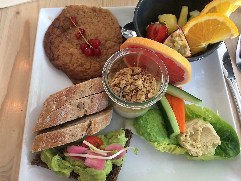 Photo of Souls  by buffence <br/>vegansk brunch-more filling than it looks <br/> August 20, 2017  - <a href='/contact/abuse/image/71701/383629'>Report</a>