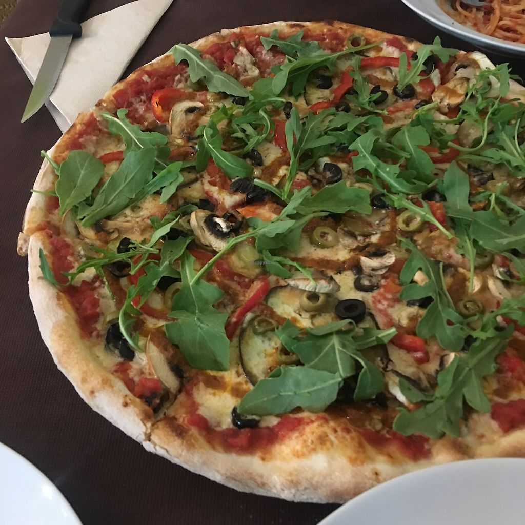 "Photo of Fuori di Zucca  by <a href=""/members/profile/p.fdez"">p.fdez</a> <br/>Pizza vegana <br/> September 24, 2017  - <a href='/contact/abuse/image/71702/307923'>Report</a>"