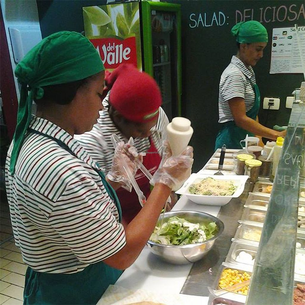 """Photo of Salad Creations - Cidade Jardim  by <a href=""""/members/profile/community"""">community</a> <br/>Salad Creations <br/> April 2, 2016  - <a href='/contact/abuse/image/71763/142406'>Report</a>"""
