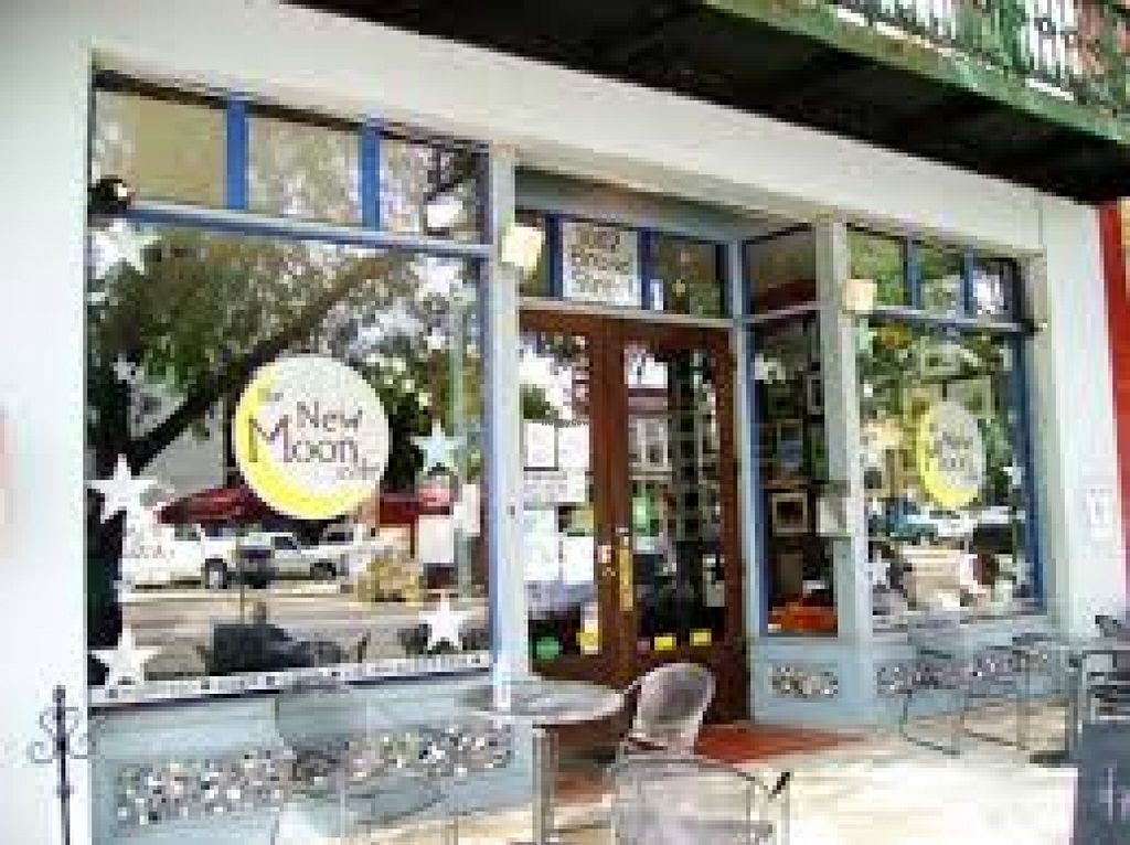 """Photo of The New Moon Cafe  by <a href=""""/members/profile/beckpaquin"""">beckpaquin</a> <br/> April 4, 2016  - <a href='/contact/abuse/image/71786/142661'>Report</a>"""