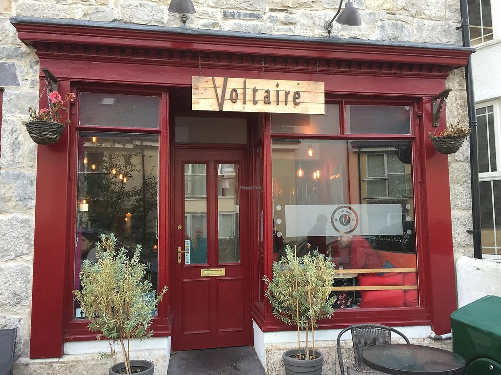 """Photo of Voltaire  by <a href=""""/members/profile/atalaya"""">atalaya</a> <br/>Voltaire Exterior <br/> September 3, 2017  - <a href='/contact/abuse/image/71832/300475'>Report</a>"""