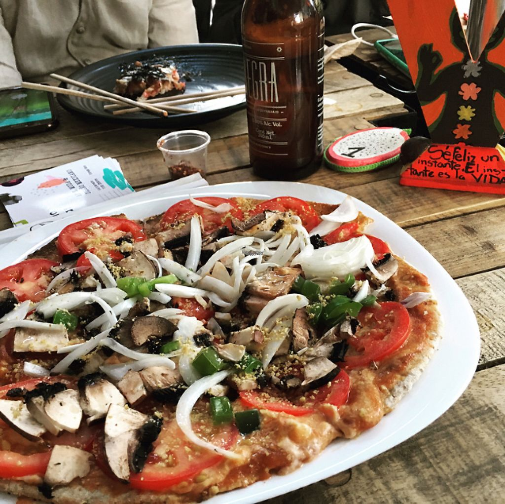 """Photo of CLOSED: Vegan Planet - Mexico City  by <a href=""""/members/profile/GeorgiaMB"""">GeorgiaMB</a> <br/>pizza margarita  <br/> February 21, 2017  - <a href='/contact/abuse/image/71863/228896'>Report</a>"""