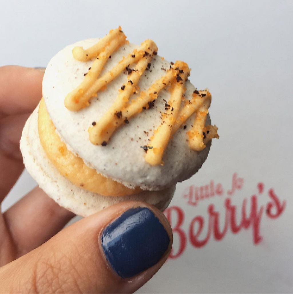 """Photo of Little Jo Berry's  by <a href=""""/members/profile/tarsbo"""">tarsbo</a> <br/>Pumpkin spice macaron <br/> March 6, 2017  - <a href='/contact/abuse/image/71893/233523'>Report</a>"""