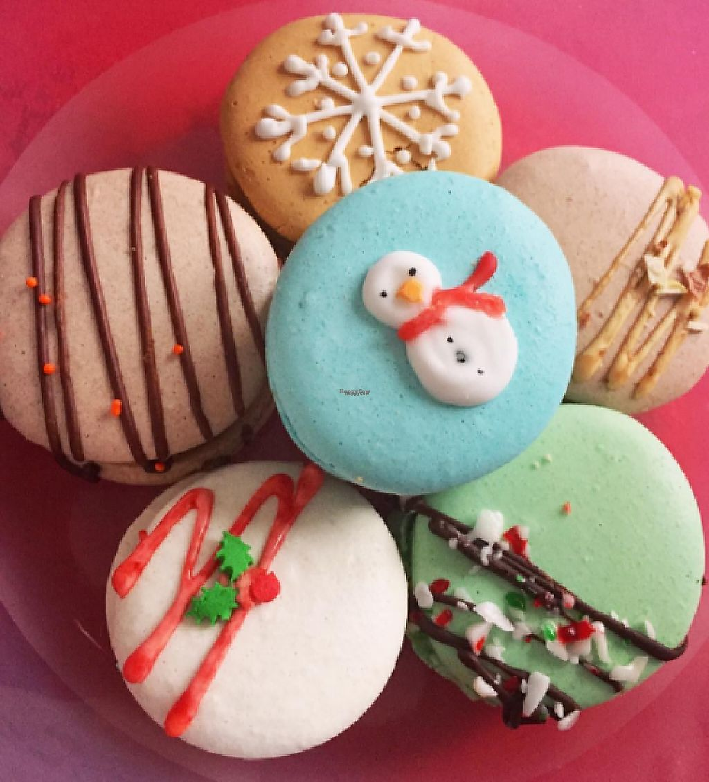 """Photo of Little Jo Berry's  by <a href=""""/members/profile/tarsbo"""">tarsbo</a> <br/>Holiday themed macarons <br/> March 6, 2017  - <a href='/contact/abuse/image/71893/233524'>Report</a>"""