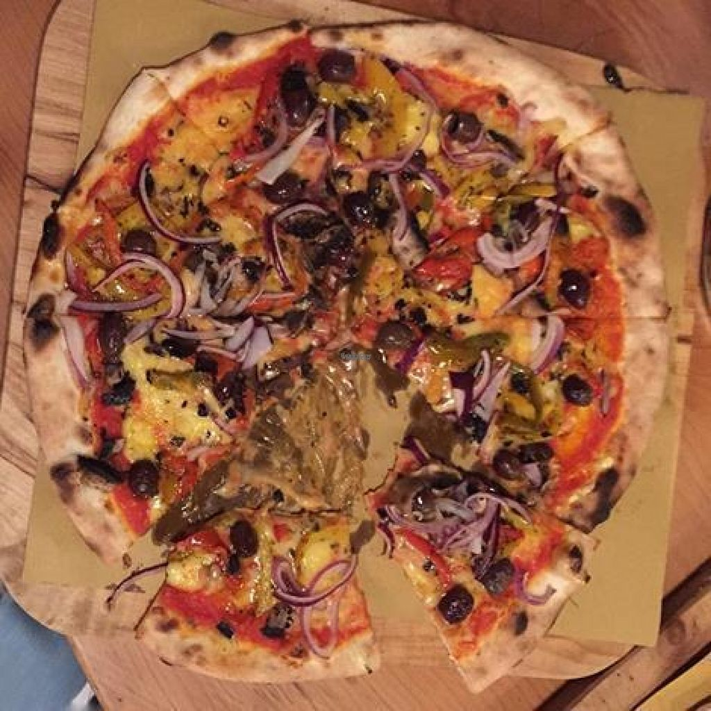 "Photo of Brick Pizza  by <a href=""/members/profile/Meaks"">Meaks</a> <br/>Vegan Pizza <br/> August 4, 2016  - <a href='/contact/abuse/image/71939/165354'>Report</a>"
