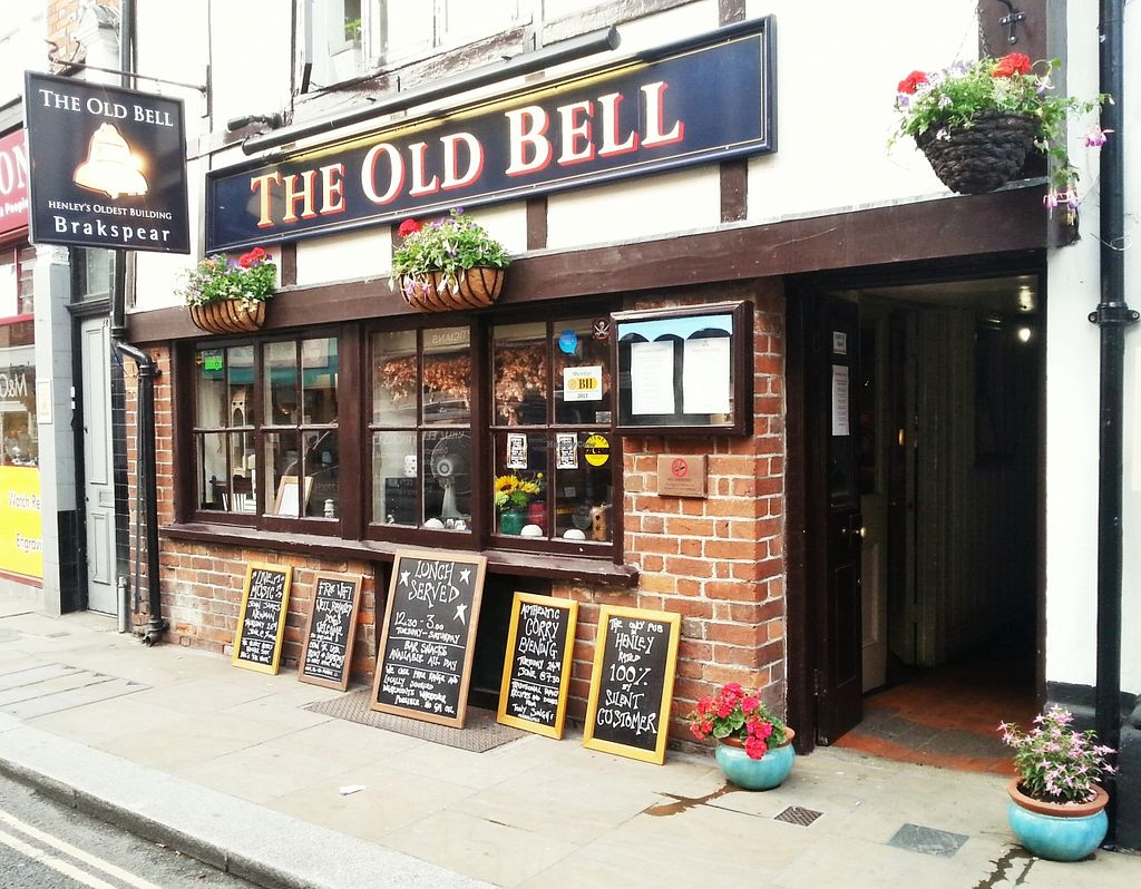 "Photo of CLOSED: The Old Bell  by <a href=""/members/profile/RobHooton"">RobHooton</a> <br/>The Old Bell - Henley on Thames <br/> April 25, 2016  - <a href='/contact/abuse/image/71968/146273'>Report</a>"