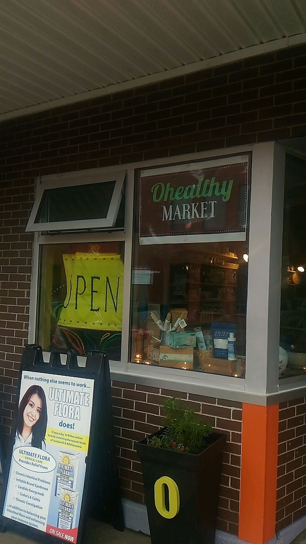 """Photo of Ohealthy Market - Portland St  by <a href=""""/members/profile/QuothTheRaven"""">QuothTheRaven</a> <br/>outside <br/> September 8, 2017  - <a href='/contact/abuse/image/72063/301914'>Report</a>"""