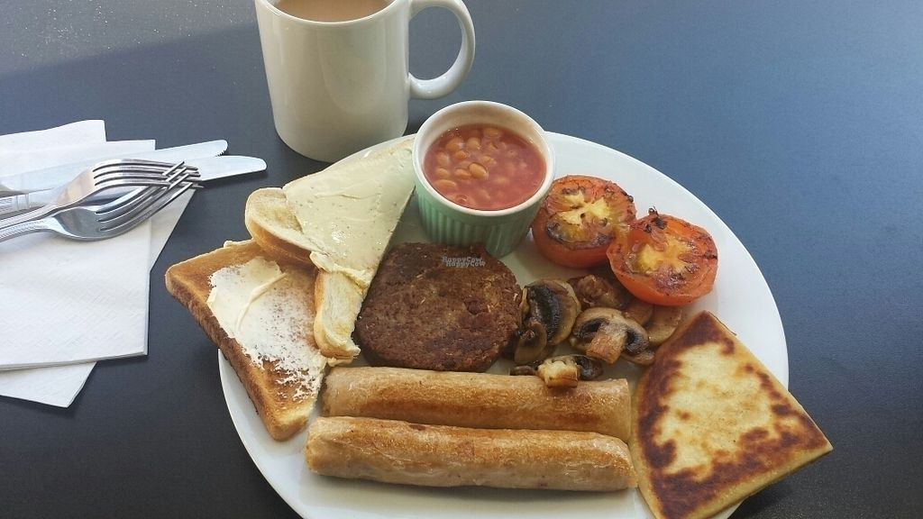 """Photo of Breakfast Brunch and Lunch  by <a href=""""/members/profile/MandyRainbowHadley"""">MandyRainbowHadley</a> <br/>vegan full breakfast  <br/> October 27, 2016  - <a href='/contact/abuse/image/72133/184788'>Report</a>"""