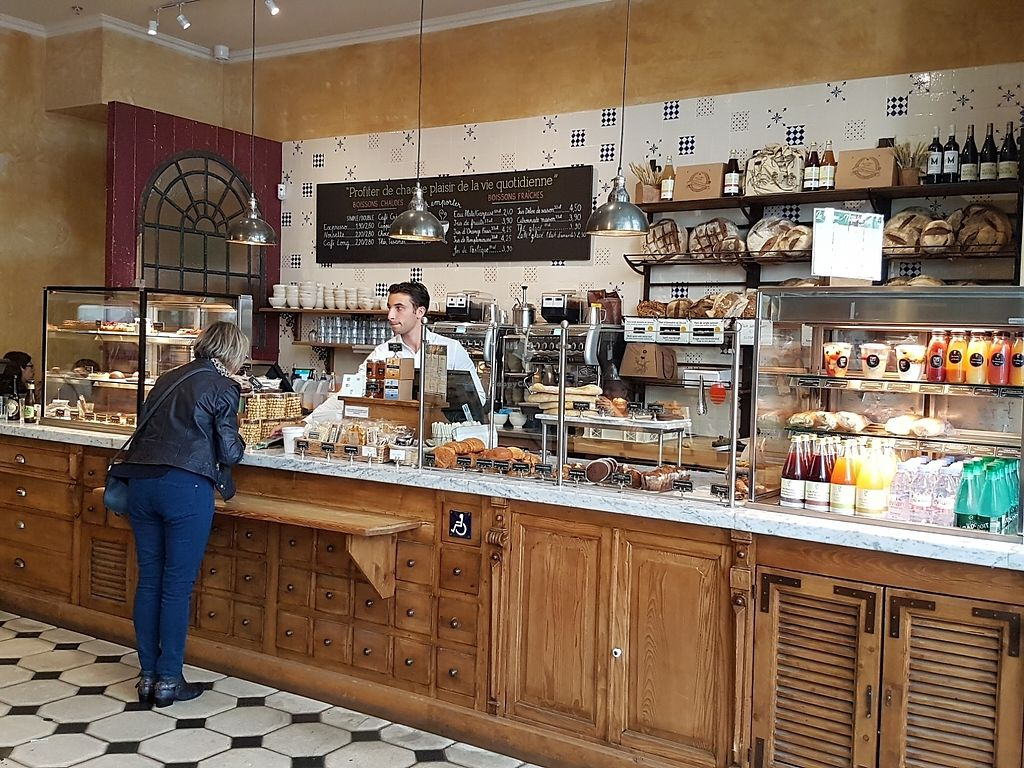 """Photo of Le Pain Quotidien - Les Halles  by <a href=""""/members/profile/Velonaut"""">Velonaut</a> <br/>Entrance area <br/> August 10, 2017  - <a href='/contact/abuse/image/72217/291125'>Report</a>"""