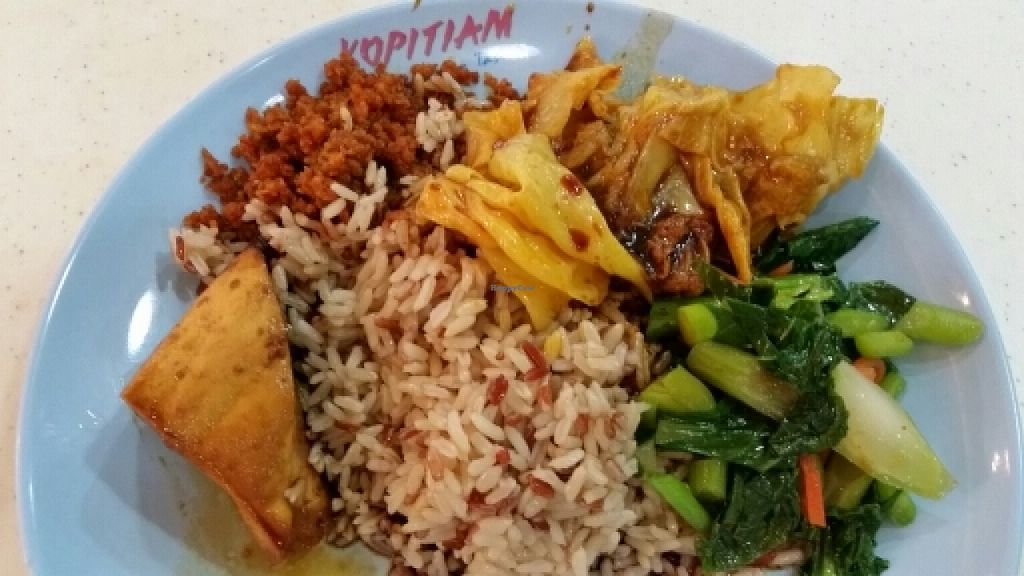 "Photo of Singapore General Hospital Vegetarian Stall  by <a href=""/members/profile/JimmySeah"">JimmySeah</a> <br/>brown rice set with dishes from the buffet selection <br/> April 11, 2016  - <a href='/contact/abuse/image/72227/143900'>Report</a>"