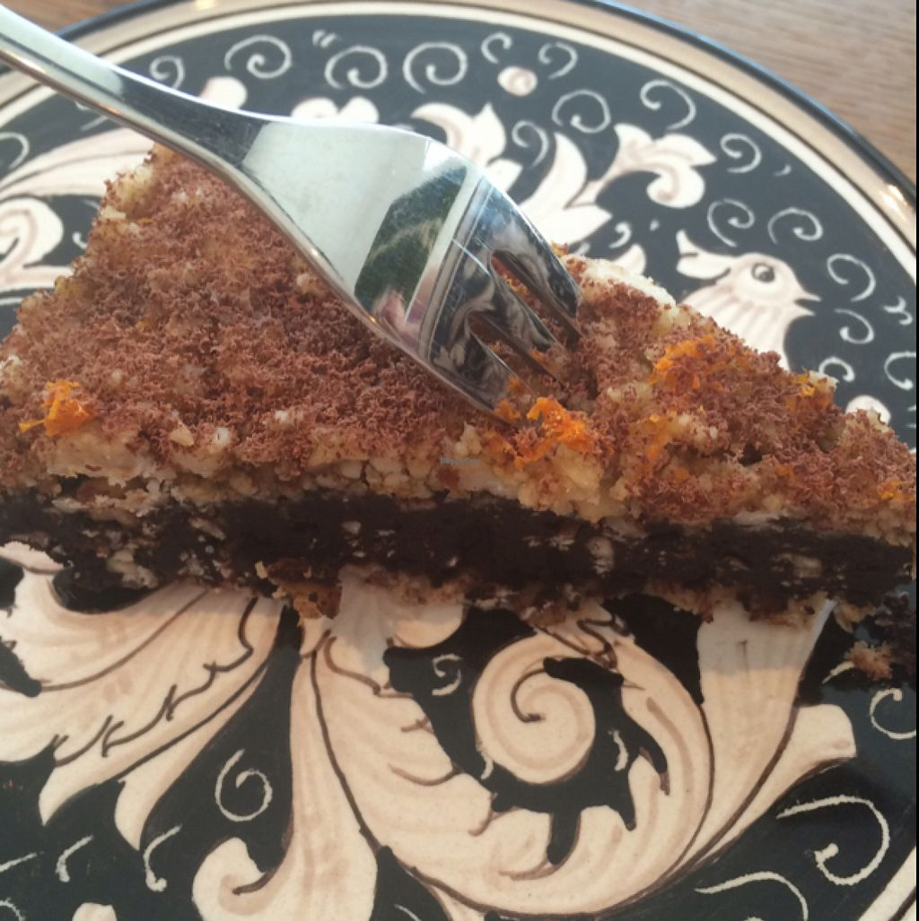 "Photo of Black Apron  by <a href=""/members/profile/monisonfire"">monisonfire</a> <br/>raw vegan chocolate-cashew-orange cake. yummy!  <br/> April 11, 2016  - <a href='/contact/abuse/image/72289/144004'>Report</a>"