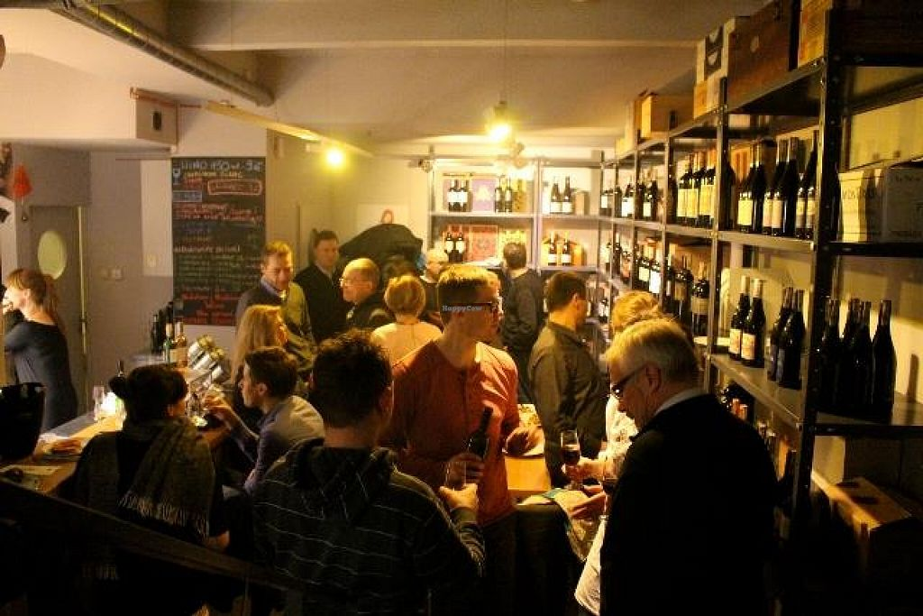 """Photo of Garaz Food & Wine  by <a href=""""/members/profile/community"""">community</a> <br/>Garaz Food & Wine <br/> April 12, 2016  - <a href='/contact/abuse/image/72295/144248'>Report</a>"""