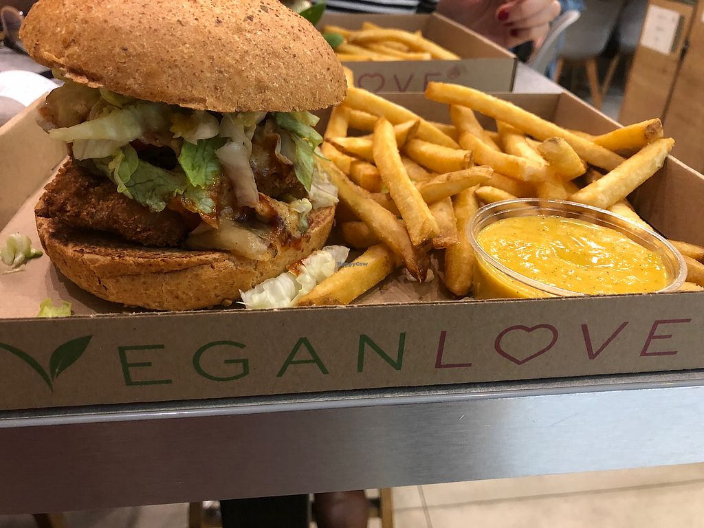"""Photo of Vegan Love  by <a href=""""/members/profile/travellingvegan98"""">travellingvegan98</a> <br/>Burger <br/> February 19, 2018  - <a href='/contact/abuse/image/72335/361375'>Report</a>"""