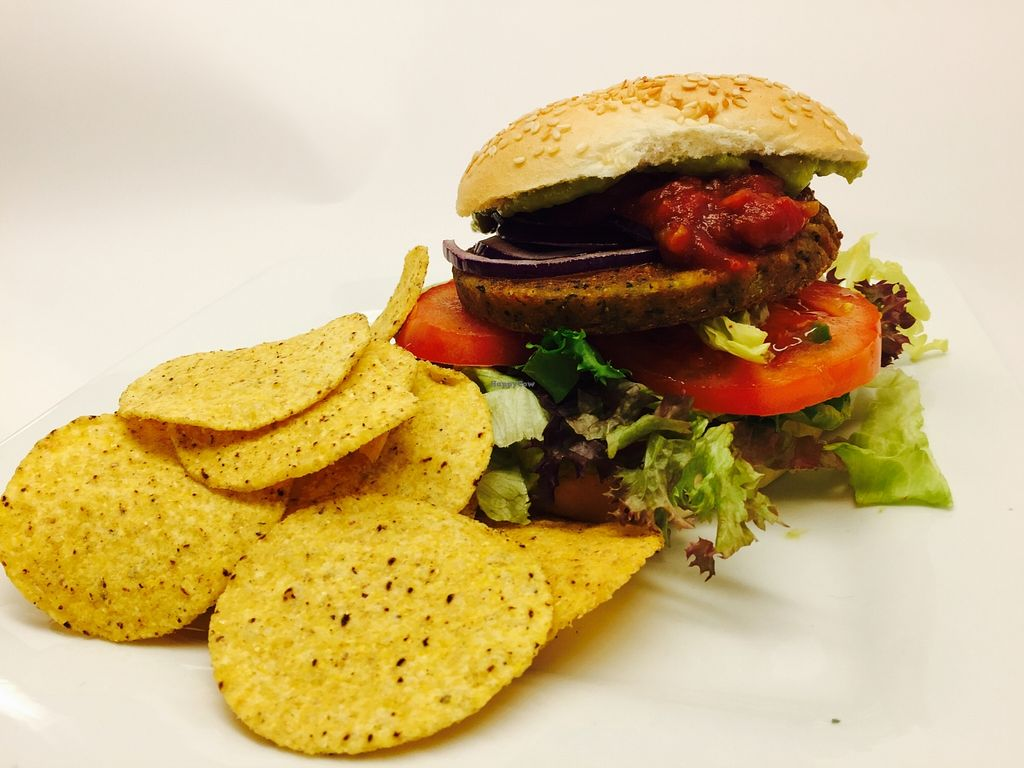 "Photo of Kafe'n Madla Handelslag  by <a href=""/members/profile/NinaSol"">NinaSol</a> <br/>Super veg burger they easily make vegan <br/> April 20, 2016  - <a href='/contact/abuse/image/72383/145413'>Report</a>"