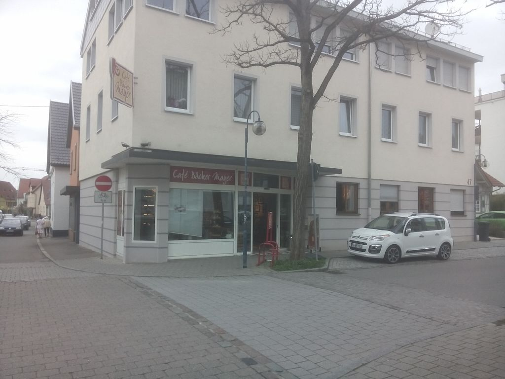 """Photo of Cafe Baecker Mayer - Hindenburgstr  by <a href=""""/members/profile/Architexturburo"""">Architexturburo</a> <br/>Bakery outside <br/> April 15, 2016  - <a href='/contact/abuse/image/72413/144640'>Report</a>"""