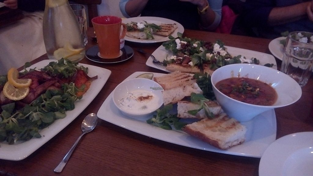 """Photo of Fig Cafe Bar  by <a href=""""/members/profile/sridharraman"""">sridharraman</a> <br/>Vegetarian curry, flatbread, roasted vegetables <br/> April 27, 2017  - <a href='/contact/abuse/image/72443/253174'>Report</a>"""