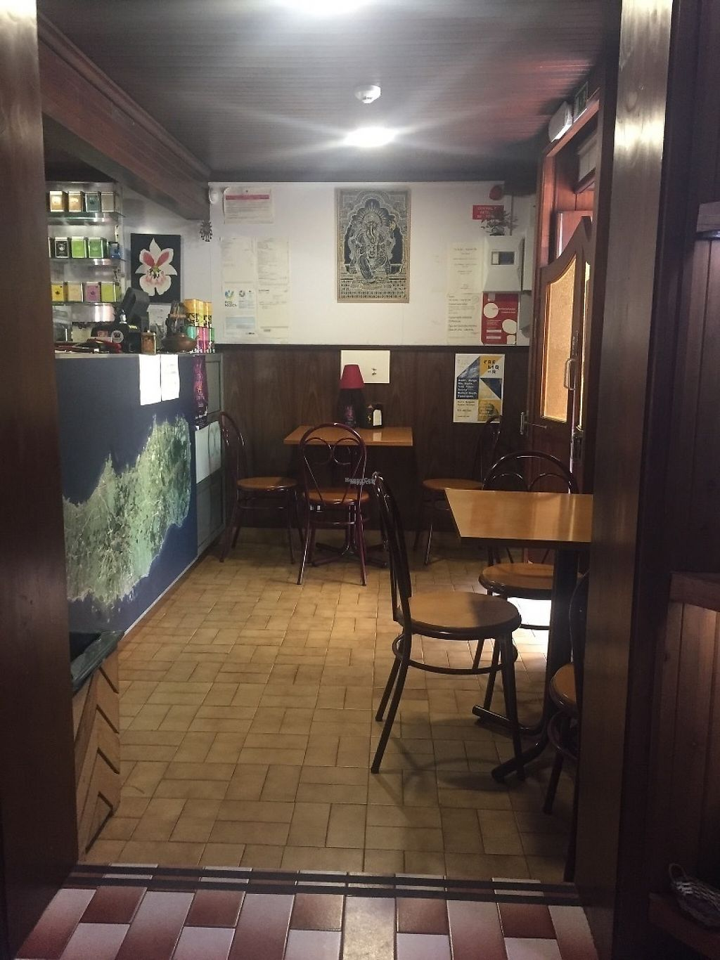 """Photo of Pes Verdes - Casa de Cha  by <a href=""""/members/profile/StevieSurf"""">StevieSurf</a> <br/>The bar area <br/> April 17, 2017  - <a href='/contact/abuse/image/72466/249354'>Report</a>"""