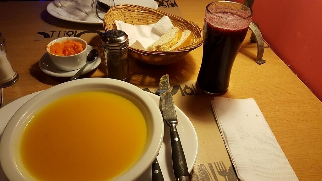 "Photo of Vegetariano  by <a href=""/members/profile/FT"">FT</a> <br/>Soup starter and juice - and Carrott hummus  <br/> November 25, 2016  - <a href='/contact/abuse/image/7246/194052'>Report</a>"